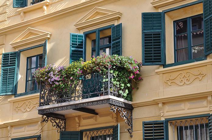 W jaki sposób urządzić mały balkon