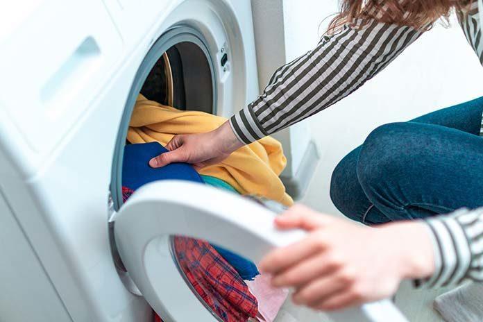 Funkcje nowoczesnych pralek. Czym zaskakuje inteligentna pralka?
